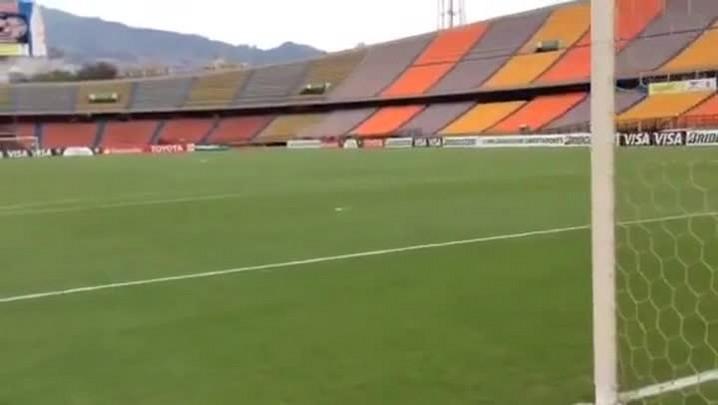 A goleira onde Dinho marcou o gol de pênalti no título de 95 - 02/04/2014