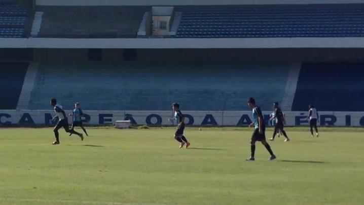 Grêmio treina para o jogo de domingo, contra o Atlético-MG. 26/04/2014
