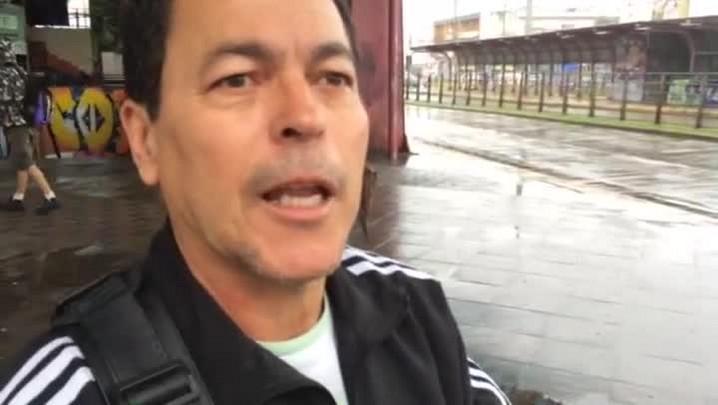 Adir da Silva Brun, de 57 anos, conta como enfrenta a situação