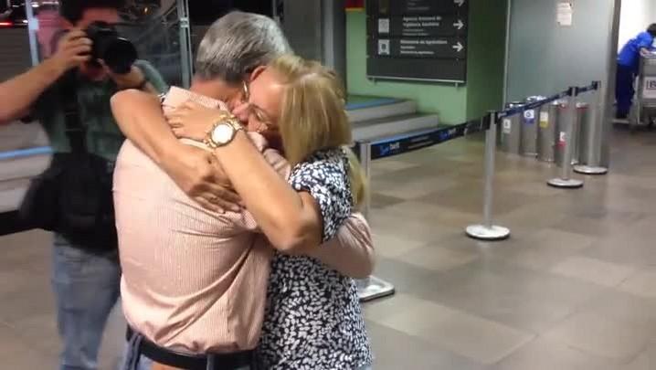 Irmãos gêmeos se reencontram após 54 anos