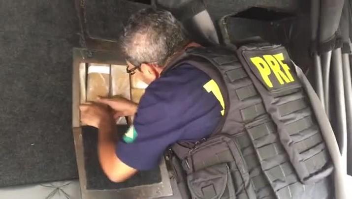 PRF apreende 800 kg de maconha em Barra Vellha