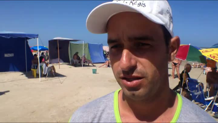 Quiosqueiro espalha lixeiras pela praia e vira bom exemplo em Capão da Canoa