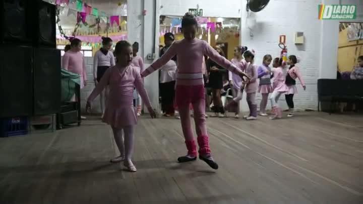 Bailarinas do Ballet CultuArte driblam as dificuldades e seguem em frente