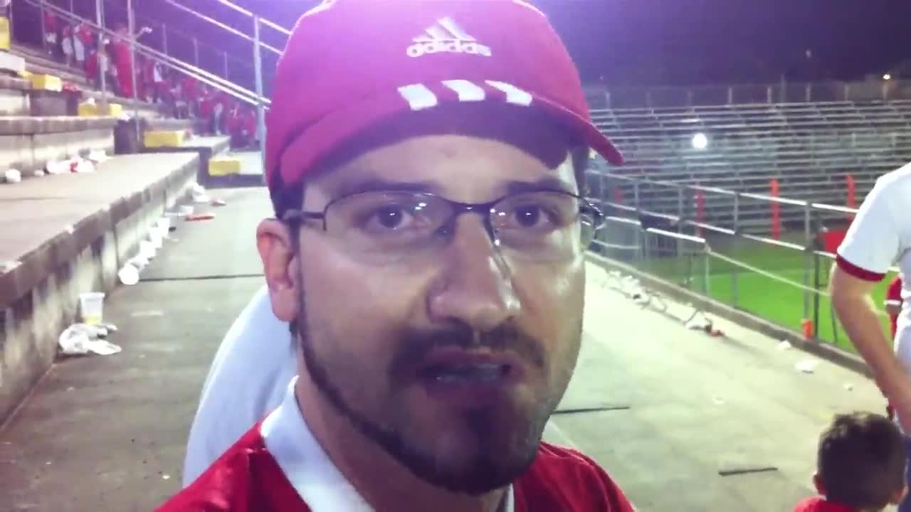 Torcida colorada ficou na bronca após o empate com o Vitória - 12/09/2013