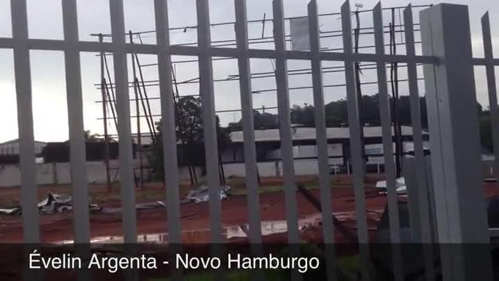 Temporal destelha casas e deixa Novo Hamburgo em situação de emergência - 31/01/2014