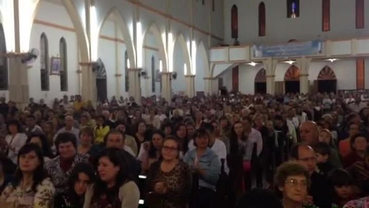 Cerca de mil pessoas participam de homenagens a Bernardo em Três Passos - 21/04/2014