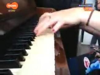 #PortoA - Projeto Piano Livre leva música aos locais mais movimentados de Porto Alegre