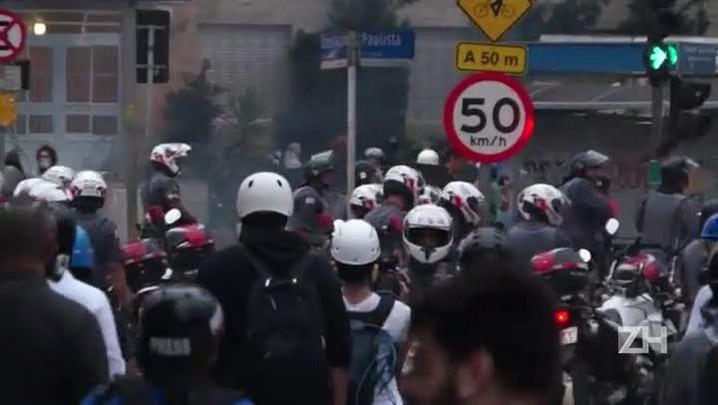 Polícia lança bombas de efeito moral em SP