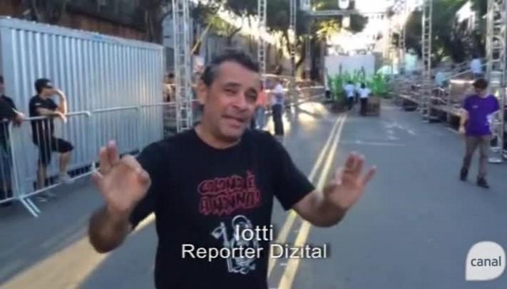 Repórter Dizital no desfile da Festa da Uva