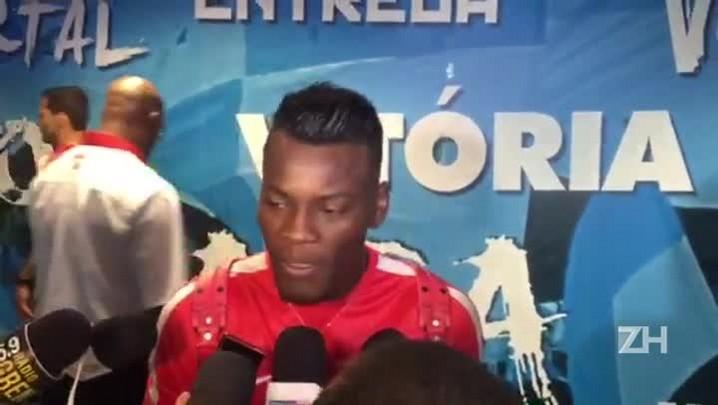 Paulão reclama de arbitragem de Anderson Daronco