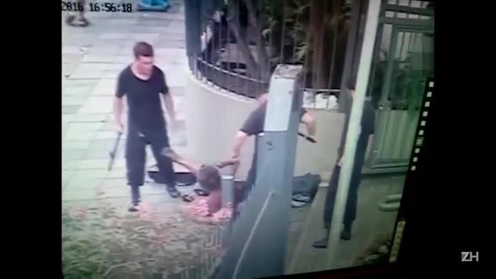 Câmera flagra agressão a morador de rua em Porto Alegre