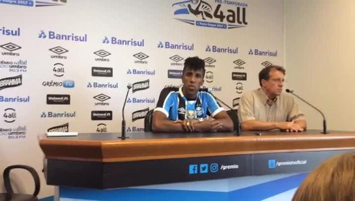 Cortez é apresentado pelo Grêmio