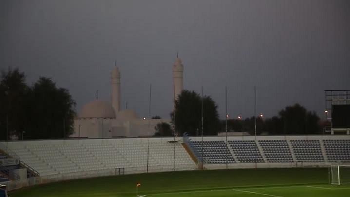 Grêmio treina nos Emirados Árabes ao som de mesquita próxima ao estádio