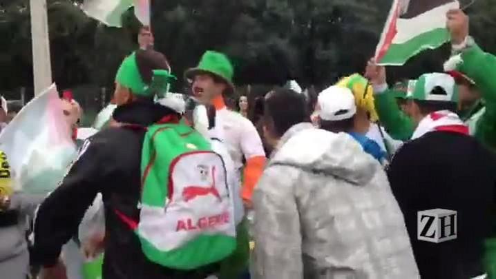 Grupo de argelinos faz festa antes de entrar no Beira-Rio
