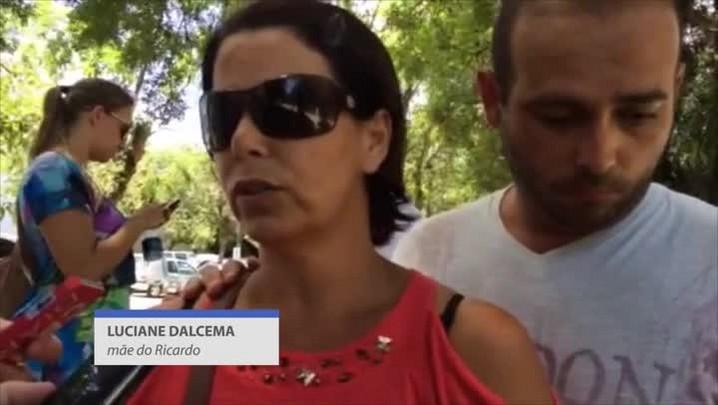 Mãe do surfista Ricardo dos Santos fala sobre violência contra o filho
