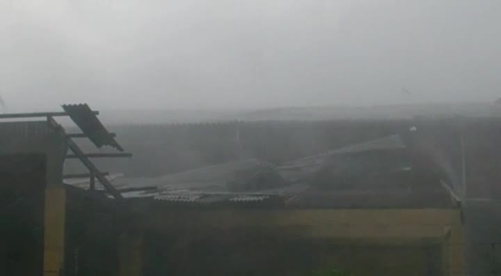 Leitor envia vídeo da tempestade em Pirabeirada, Joinville.