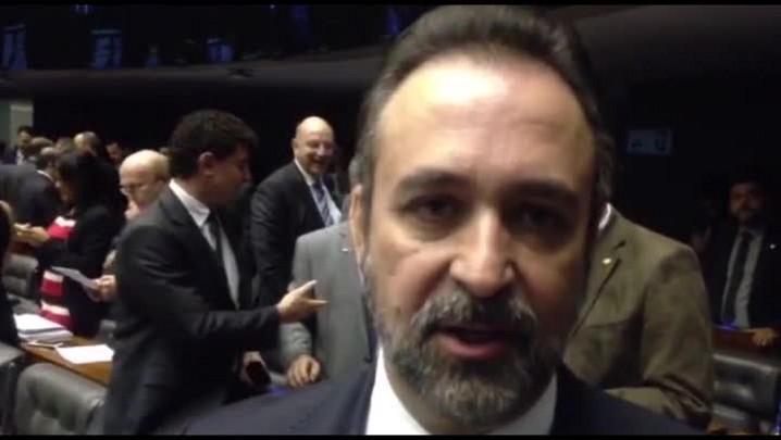 """Sérgio Moraes: \""""Vontade da população é pelo impeachment\"""""""