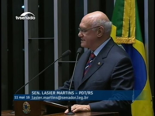 Lasier Martins (PDT-RS) justifica voto favorável ao impeachment de Dilma Rousseff