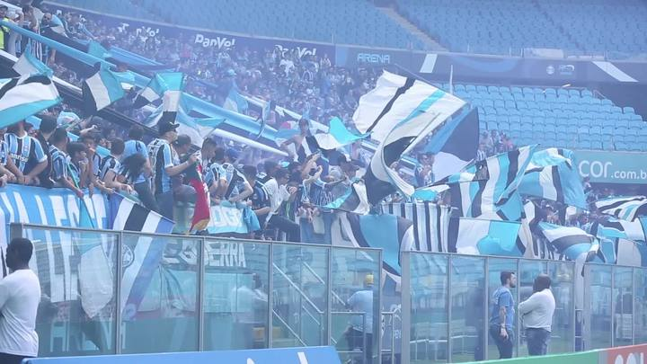 Torcedores do Grêmio fazem alentaço antes do Gre-Nal 411