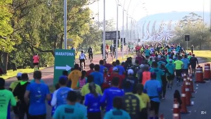 Confira imagens da Maratona de Porto Alegre