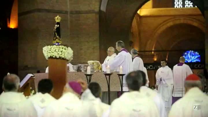 Papa Francisco reza missa em Aparecida