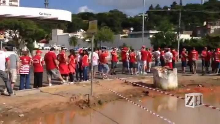 Fila extensa na abertura do Beira-Rio