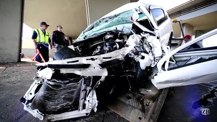 Veja como ficou o carro após colisão na BR-290