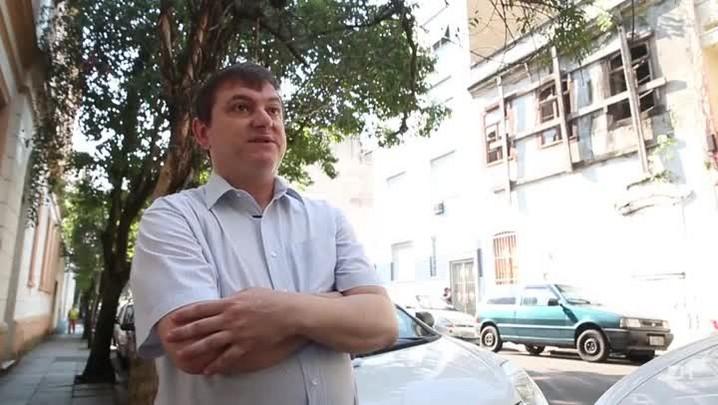 Moradores reclamam de abandono de prédios históricos no centro de Porto Alegre