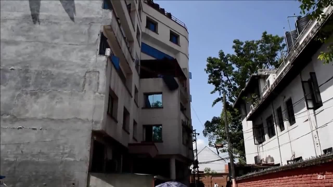 Tremor no Nepal deixa dezenas de mortos e centenas de feridos