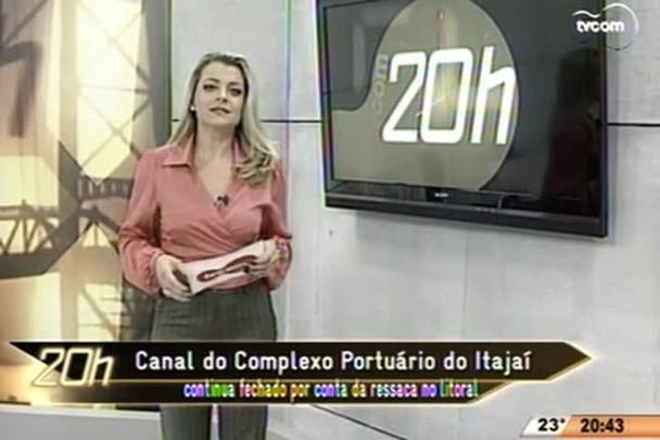 TVCOM 20 Horas - Canal do Complexo Portuário do Itajaí continua fechado por conta da ressaca no litoral - 14.05.15