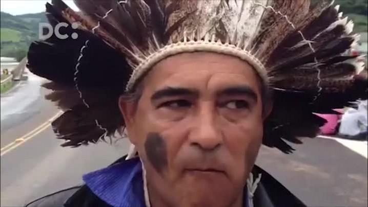 Grupos indígenas protestam contra PEC 215