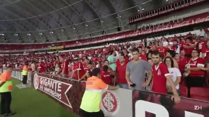 Inter permite acesso de torcedores ao gramado do Beira-Rio