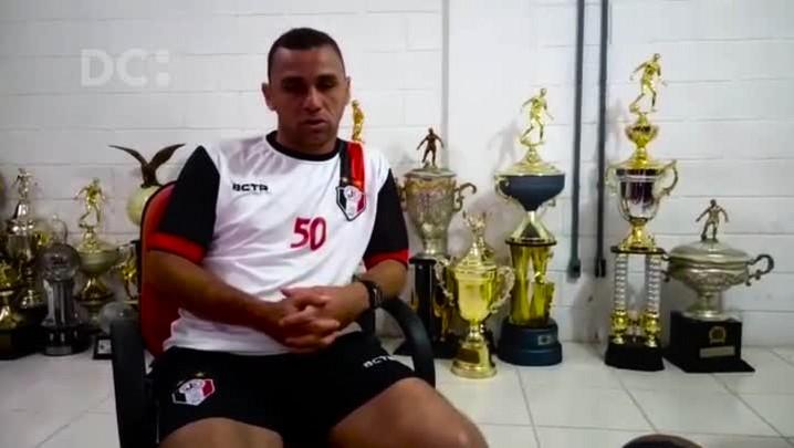 Fabinho Santos, técnico do Joinville, fala sobre o seu estilo à frente do time