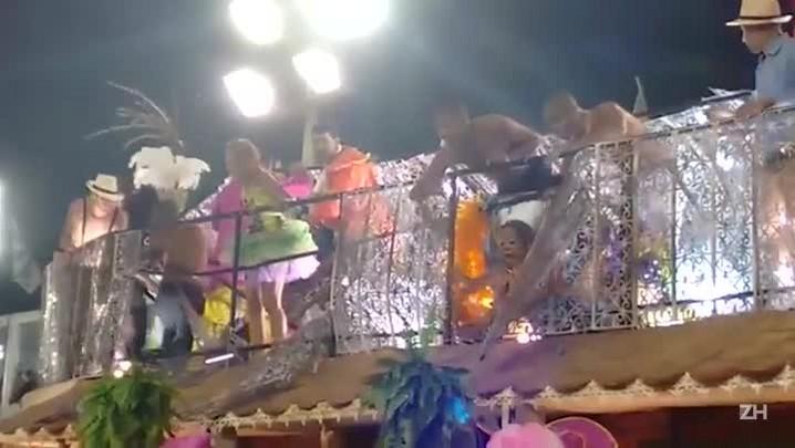 Acidente com carro alegórico da Unidos da Tijuca deixa feridos