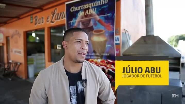 Júlio Abu: o campeão gaúcho vende churrasquinho