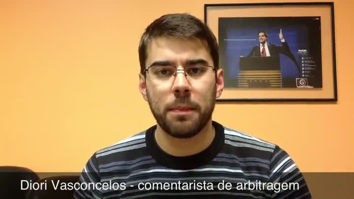 Arbitragem: A expulsão justa de Fernandinho e a atitude que determinou o cartão vermelho de Victor - 18/08/2013