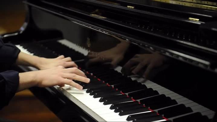 Jovem pianista realiza sonho de estudar na Alemanha