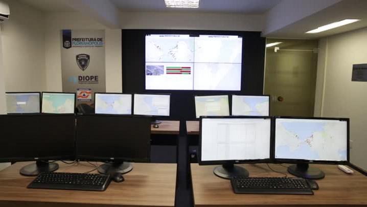 Confira como funciona o controle remoto de semáforos em Florianópolis