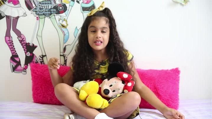Conheça a pequena Youtuber Nikki Lacerda