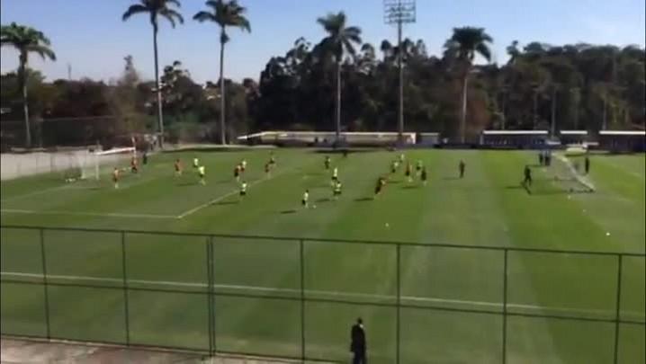 David Luiz não participa do rachão em Belo Horizonte