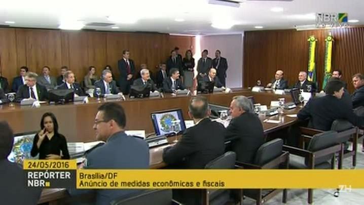 Temer anuncia medidas para combater a crise econômica
