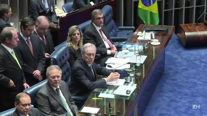 Depois de 14 horas termina interrogatório de Dilma