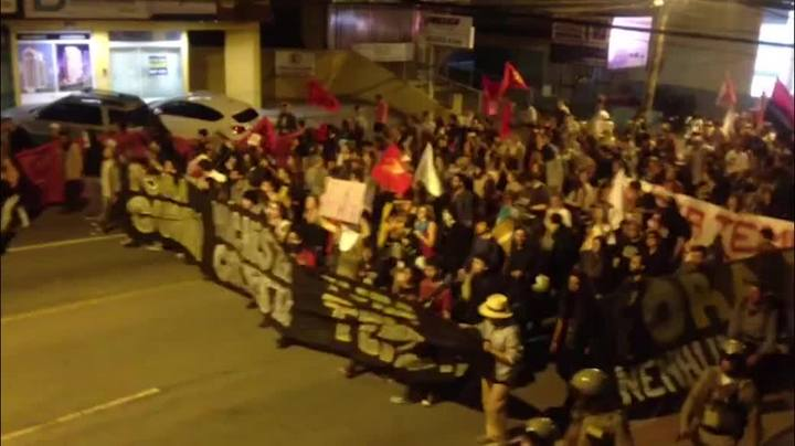 Confira como foi o protesto contra Temer e Cunha que aconteceu em Florianópolis