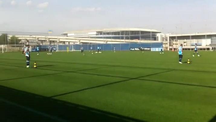 Grêmio faz treino de finalizações