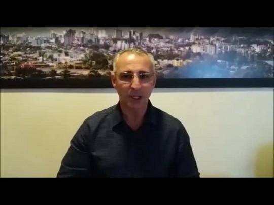 Pozzobom explica por que merece seu voto