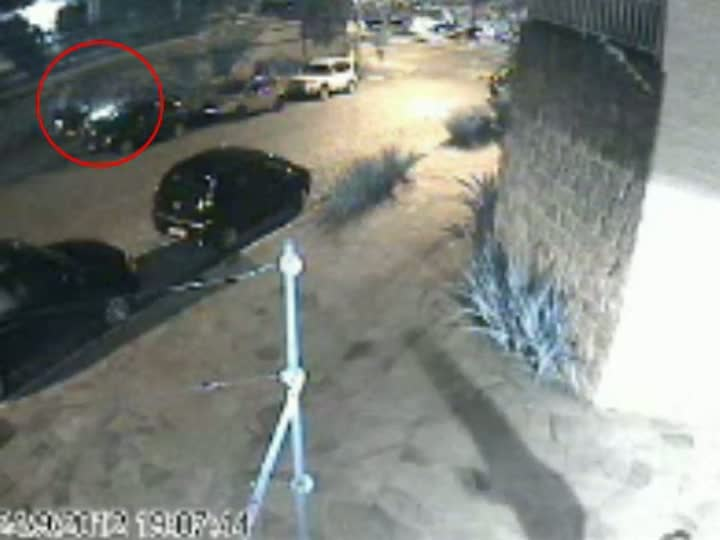 Motoqueiro encurrala e rouba pedestres no bairro Boa Vista