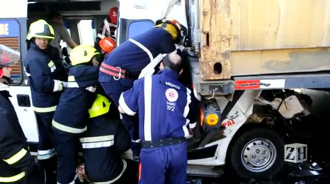 Acidente na Ponte do Jacuí deixa 12 feridos