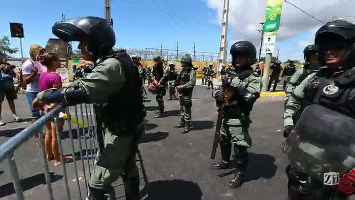Brasil e México: Confusão e emoção numa mesma partida