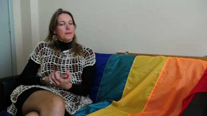 Professora transexual leva experiência em sala de aula à universidade