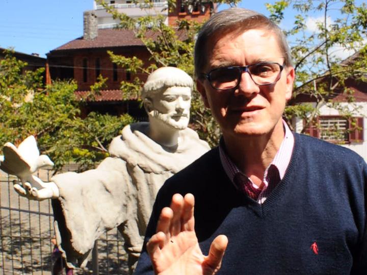 Frei Jaime Bettega convida para a bênção virtual